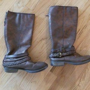 Stevies Girl Boots SZ 4